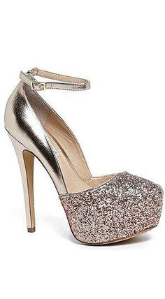 Steve Madden 'Deeny-R' Pump What Can go w/ these for graduation?