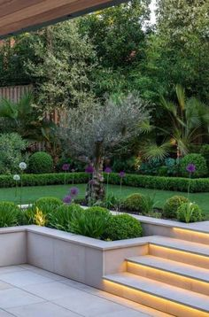 Top 15 Best Garden Design Ideas for Small Gardens and Shady Areas - DIY Garden Deko Garden Steps, Diy Garden, Patio Steps, Retaining Wall Steps, New Build Garden Ideas, Garden Ideas For Small Spaces, Garden Spaces, Dream Garden, Herb Garden