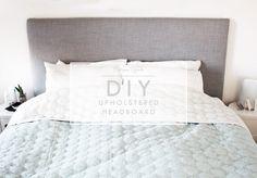 Jeg har i snart flere år været jer skyldige et indlæg om, hvordan man laver en polstret sengegavl/hovedgærde.. Jeg har haft min i nogle år, men bliver nærmest kun gladere for den, som tiden går. Den er netop blevet 'ombetrukket' og i den forbindelse t&aeli