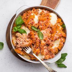 🍴Zapečené těstoviny s ricottou recept – rychle, zdravě a jednoduše 🍴 Jimezdrave.cz Penne, Ricotta, Mozzarella, Curry, Ethnic Recipes, Fitness, Curries, Pens