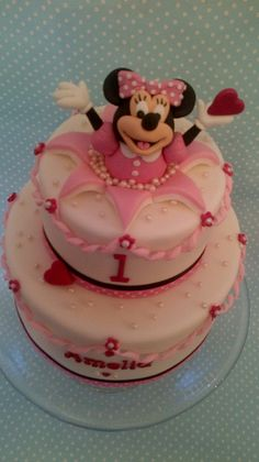 Minnie popping out of cake Fancy Cakes, Cute Cakes, Pretty Cakes, Mickey And Minnie Cake, Bolo Minnie, Fondant Cakes, Cupcake Cakes, Mini Mouse Cake, Friends Cake