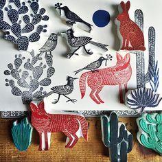 The desert flora & fauna hand carved stamp collection is growing  La colección de sellos tallados a mano de la flora y fauna del desierto está creciendo