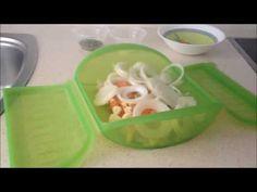 Merluza con tomate y orégano en estuche de vapor Lekue - YouTube