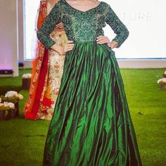 Gorgeous in green.... exquisite rich emerald tones and intricate hand embroidery in the bodice offset this elegant and understated gown... the epitome of elegance and glamour deep jewel tones are perfect for evening receptions and weddings... #gown #redcarpet #eveninggown #bridetobe #bridalfashion #bridalgown #couture #dress #design #style #northwood #london #silk #green #emerald #indianbride #asianbride #london #bride #asianbride #dress #fashion #catwalk #madetomeasure #green #boutique…