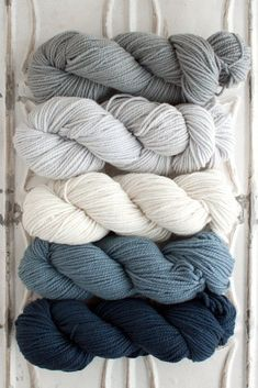 The Yarn for Blue Stone Bridge Cowl kit includes 5 skeins of Chunky Merino - 1 skein each of Colors A, B, C, D, and E. This is enough yarn to make a few of these cowls! Get more info about Chunky Meri Yarn Color Combinations, Blue Color Schemes, Grandma Crafts, Crochet Patron, Yarn Inspiration, Ideias Diy, Crochet Patterns, Crochet Cowls, Scarf Patterns