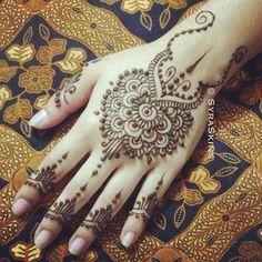 Gorgeous henna designs....