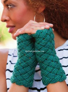 Free crochet pattern for Basketweave Mitts. Generous double-treble post stitches create an airy yet warm woven fabric. Careful seaming along the thumb side connects the cables. Extend the wearing by flipping them inside out for a completely different look.