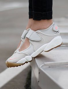 42 Best Sneakers  Nike Air Rift images  257b46f36
