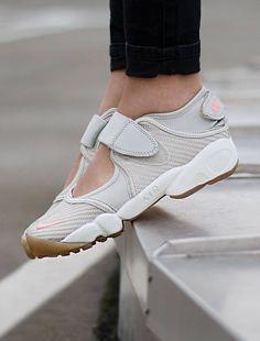 on sale be921 84857 Nike Air Rift  Bone