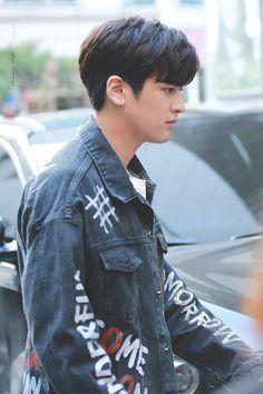 Kim Jinhwan, Chanwoo Ikon, Ikon Leader, Ikon Kpop, Ikon Debut, Ikon Wallpaper, Love At First Sight, Yg Entertainment, Korean Boy Bands
