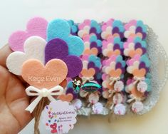 Balon magnet /Bebek şekeri /Nikah şekeri /keçe magnet @kece_evim Baby Crafts, Easter Crafts, Felt Crafts, Fabric Crafts, Felt Flowers, Paper Flowers, Distintivos Baby Shower, Flower Pens, Balloons And More