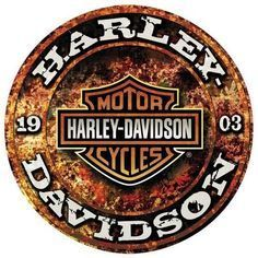 Vintage Motorcycles Harley Davidson Stone Rust Sign - Harley Davidson Sign Gearhead Skull is a brand new embossed tin sign made to look vintage, old, antique, retro. Purchase your embossed tin sign from the Vintage Sign Shack and save. Harley Davidson Knucklehead, Harley Davidson Chopper, Harley Davidson Kunst, Harley Davidson Signs, Harley Davidson Merchandise, Motos Harley, Harley Davidson Wallpaper, Harley Panhead, Classic Harley Davidson