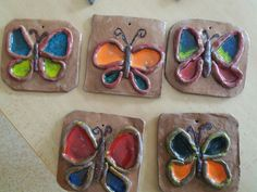 Clay Projects For Kids, Kids Clay, School Art Projects, Kindergarten Art Lessons, Art Lessons For Kids, Art For Kids, Pottery Classes, Pottery Lessons, Ceramics Projects