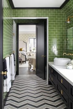24 Trendy Bathroom Renovations With Bathtub Green Bathroom Colors, Lime Green Bathrooms, Grey Bathroom Tiles, Gray And White Bathroom, Grey Bathrooms, Bathroom Wall Decor, Bathroom Shower Curtains, Bathroom Interior Design, Bathroom Flooring