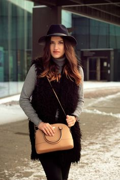 This look is perfect for casual-ing in the city with friends!