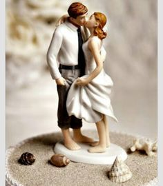 Roll up your those pant legs, lift the hem of that dress a little, and wade into the romance of this Getaway Beach Wedding Cake Topper! These beach wedding cake toppers colorfully showcase a pair of newlyweds savoring their first kiss Beach Cake Topper, Beach Wedding Cake Toppers, Funny Wedding Cake Toppers, Wedding Topper, Themed Wedding Cakes, Wedding Favors, Wedding Supplies, Wedding Invitations, Wedding Shoes