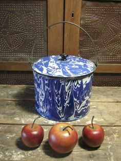 Early Old Antique Cobalt Blue and White Swirl Graniteware Berry Bucket w. Bail Handle