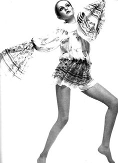 Twiggy by Justin de Villeneuve, 1969, wearing Zandra Rhodes dress.