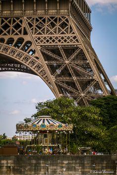 'Scaling' - Eiffel Tower - Paris