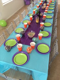 Dreamworks Home Boov Party. Kids Table. Sequin Runner.