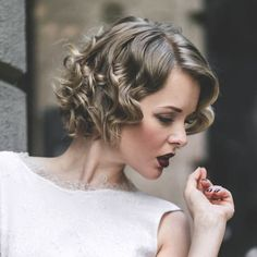 Prom and Wedding Hairstyles for Medium Hair http://www.hairstylestars.com/prom-and-wedding-hairstyles-for-medium-hair-2015/ #hairstyles #hairstyleideas #hairstyleinspiration #hairstyleinspo