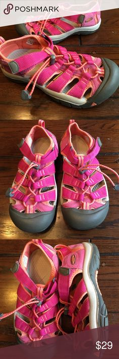 Keen Newport H2 water shoes sandal The shoes are in great used condition from a non-smoking household Keen Shoes
