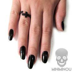 Anel mini cruz preto