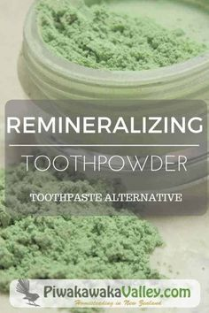 Tooth Powder - a better alternative to toothpaste. Tooth powder is exactly what it sounds like, an alternative to toothpaste, it is a mineral powder you use to brush your teeth. AND my kids will use it! Beauty Hacks With Baking Soda, Diy Beauty Hacks, Hacks Diy, Toothpaste Recipe, Homemade Toothpaste, Natural Toothpaste, Herbal Toothpaste, Deodorant, Make Your Own Toothpaste