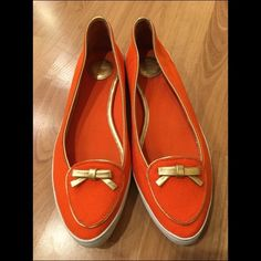 Tory Burch Dakota flats Worn but great condition! There are marks around the soles of the shoes from being worn by my daughter but can easily be wiped clean. Lots of life left in the babies! Tory Burch Shoes Flats & Loafers