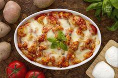 Gli gnocchi alla sorrentina sono un piatto campano diffuso in Italia e all'estero; preparati  con sugo fresco di pomodoro,mozzarella e basilico.