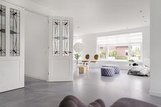PU kunststof gietvloer in Betonlook. Perfect voor de woonkamer, slaapkamer, keuken of uw toilet!