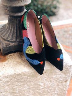 Vegan, Sustainable & Ethical Fashion Shoe Made in Spain. Vegan thread embroidery on 100% black velvet cotton. #momoc #momocshoes #veganshoes #velvet #ethicalfashion #colorfulshoe #originalart #officewear #officelady