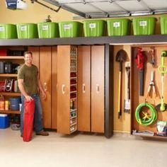 Super Garage Storage Racks The Family Handyman Ideas Super Garage-Speicher-Gestelle The Family Handyman Ideen Garage Storage Shelves, Sliding Shelves, Garage Storage Solutions, Garage Organization, Diy Storage, Storage Spaces, Storage Ideas, Pegboard Storage, Tote Storage
