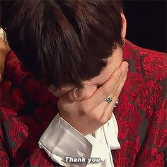 Awww Oppa i want to hug you. You deserved that Daesang so much