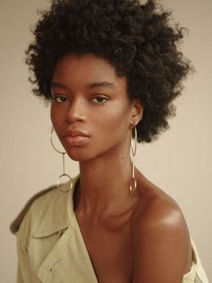Model - Kyla Ramsey Nationality - Jamaican Height - Agencies - Muse (NY) Women 360 (Paris) The Fabbrica (Milan) Notable Work - Vogue Italia January 2019 Editorial Brown Skin Girls, Brown Girl, Black Girl Magic, Black Girls, Pretty People, Beautiful People, Black Girl Aesthetic, Looks Black, Portraits
