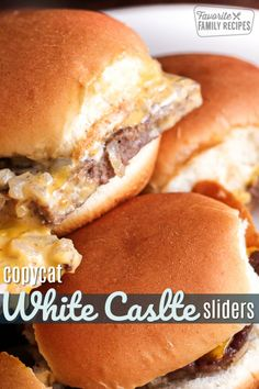 Copycat White Castle Sliders These White Castle Sliders are delicious! For those of you who have always wanted to duplicate these sliders at home, this recipe is the real deal. Slider Sandwiches, Appetizer Sandwiches, Appetizer Recipes, Sliders Burger, Steak Sandwiches, Beef Sliders, Sandwich Recipes, Appetizers, White Castle Sliders