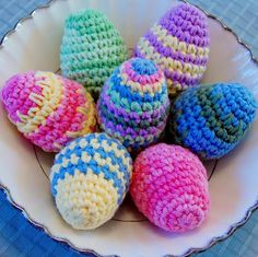Free crochet pattern for Easter Eggs