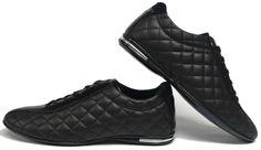 De mooiste heren schoenen bestelt u in onze winkel. Bij ons vindt u verschillende betaalbare sneakers, nette schoenen en sport schoenen. U vindt gegarendeerd de exclusieve schoenen die u outfit compleet maakt. Bekijk ons collectie!!! Er is vast wel een schoen tussen dat uw aantrekkelijk vindt.Deze s
