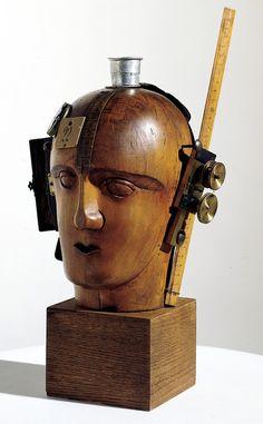 Raoul Hausmann (1886 - 1971)  Mechanischer Kopf (Der Geist unserer Zeit (L'esprit de notre temps), Tête mécanique) [1919]