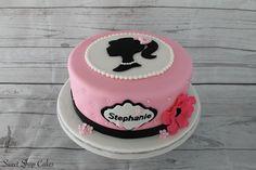 Vintage Barbie cake Barbie Birthday Cake, Barbie Party, Birthday Cake Girls, Cupcakes Da Barbie, Cute Cakes, Yummy Cakes, Barbie Cake Designs, Bolo Barbie, Paris Themed Birthday Party