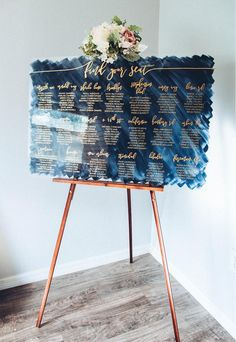 29 Classic Blue Wedding Decorations In Different Styles Seating Chart Wedding, Seating Charts, Wedding Table, Wedding Rustic, Classic Wedding Decor, Seating Arrangement Wedding, Classic Weddings, Elegant Wedding, Floral Arrangements