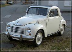 lovely 1949 cream topolino (Fiat)