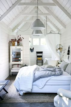 Coastal interior design tips - How to bring the seaside into your home Beach Cottage Decor, Coastal Cottage, Coastal Style, Coastal Living, Beach Cottage Bedrooms, Seaside Decor, Luxury Living, Home Interior Design, Interior Styling
