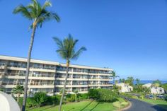 Maui Banyan G-302 Kihei (Maui, Hawaii) Located in Kihei, this air-conditioned apartment is 1.8 km from Kihei Beach Resort. Guests benefit from free WiFi and private parking available on site.  There is a seating area, a dining area and a kitchen complete with a dishwasher and an oven.