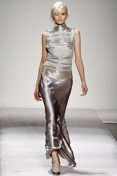 Gianfranco Ferré | Fall 2011 Ready-to-Wear Collection |