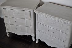 My wonderful client scored these two Queen Anne-style end tables at a garage sale a few years ago,. Paint Furniture, Furniture Makeover, Whitewashing Furniture, Furniture Refinishing, Dry Brush Painting, Painting Tips, White Washed Furniture, Grey Interior Design, Pallet Painting