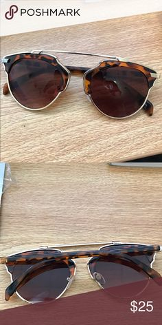 NWOT free people sunglasses new brown and gold tortoise shell free people sunglasses! in perfect condition Free People Accessories Sunglasses