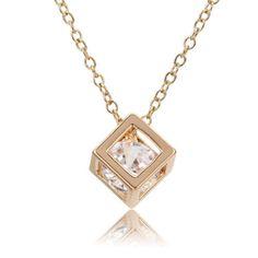 Gold Cube Pendant Necklace von TheGlamourStore auf Etsy