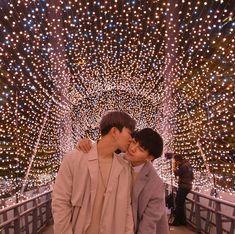Pin qi 💑 feng shared by Ichikawa tsubaki on We Heart It Korean Boys Hot, Korean Couple, Gay Aesthetic, Couple Aesthetic, Korean Wedding Photography, Theory Of Love, Cute Gay Couples, Ulzzang Couple, Poses For Photos