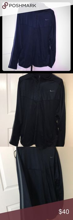 Men's Nike Light weight Performance Jacket Like new condition, size XL, side pockets, mesh on the sides and some at the chest area Nike Jackets & Coats Performance Jackets